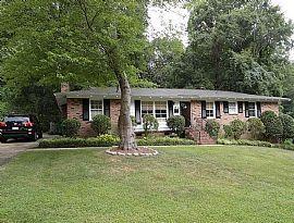 5531 Farmbrook Dr, Charlotte, NC 28210