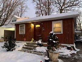 115 Elm Ave, Mundelein, IL 60060