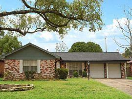 9531 Meadowcroft Dr, Houston, TX 77063
