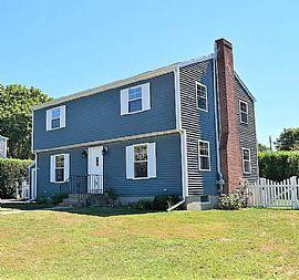 Peaceful  House. 1 Longmeadow Ave, Middletown, RI 02842