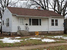 617 Ellwood Ave, Dekalb, IL 60115