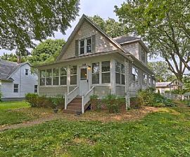 Charming House. 308 N Garfield Ave, Champaign, IL 61821