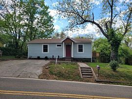 2519 Maple Dr, Knoxville, TN 37918