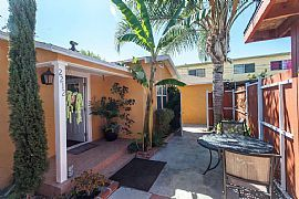 2212 S Ridgeley Dr Los Angeles, CA 90016