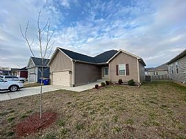7159 Seagraves Ct, Bowling Green, KY 42101
