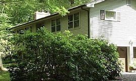 57 Hillyndale Rd, Storrs Mansfield, CT 06268