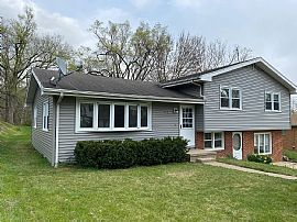 312 Brookview Rd, East Peoria, IL 61611