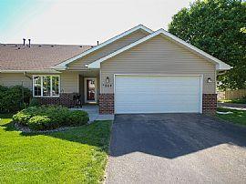 864 Ringenbach St, Chaska, MN 55318