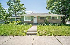 8035 W Warnimont Ave, Milwaukee, WI 53220