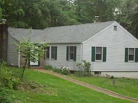 53 Storrs Heights Rd, Storrs Mansfield, CT 06268