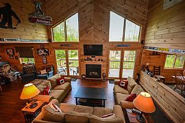 Charming and Spacious House Directly Across Ski Trail