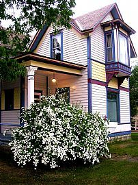 Gorgeous! Historic 3-4 BDRM Victorian