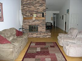 Gorgeous 1800 Sq. Ft. Home - GREAT PRICE - EXCELLENT LOCATION!