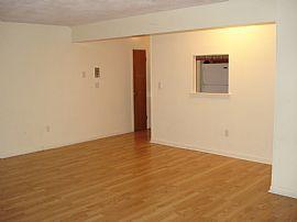Very Spacious 2 Bedroom Apartment - Freshly Painted