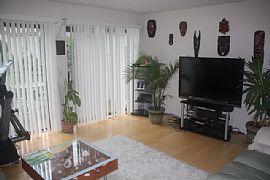 Large 2 Bedroom Townhouse with Open Floor Plan - $1100