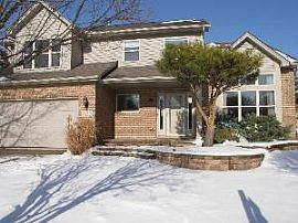 Spacious 4 Br Home with Open Floor Plan