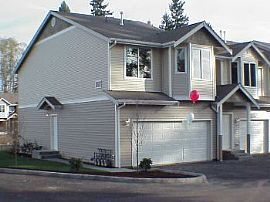 3 Bdrm/ 2.5 Bath Townhome, 1 Car Garage