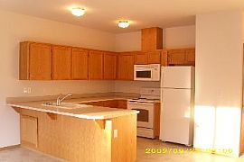 Looking For a Spacious 2bed/2.5 Bath Tow
