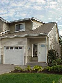 Great 2x2.5 Townhome in Desired Communit